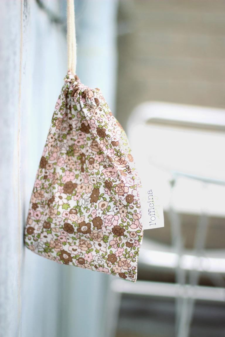 lofficina-paris-cosmetique-bio-naturel-beaute-shop-madara-cadeau-goodie-pochette