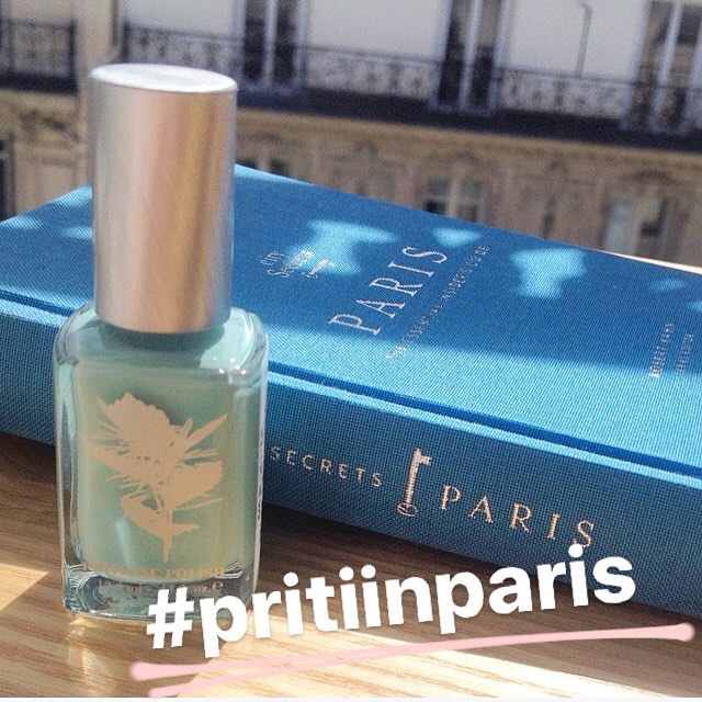 priti-nyc-bluestar-verns-ongles-bleu-pritiinparis