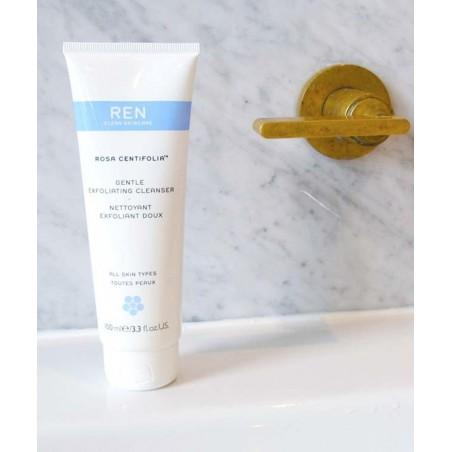 REN clean skincare Rosa Centifolia Nettoyant visage gommage doux végétal jojoba peau sensible teint