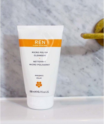 REN clean skincare - Nettoyant Micro Polissant grain de peau teint terne visage végétal naturel bio aha acides de fruits