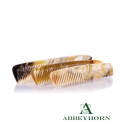 Manufacture Abbeyhorn Peignes en corne naturelle fait main et poli main en Angleterre objet unique luxe homme femme