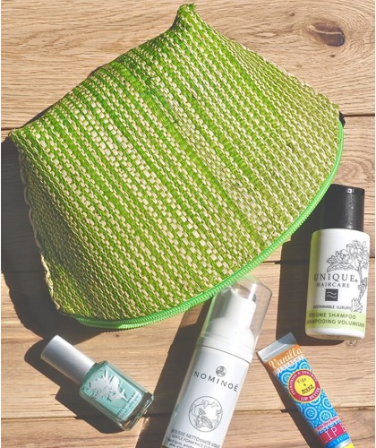 Raffia cosmetic bag green & beige l'Officina Paris natural beauty beach trend pouch green handmade natural