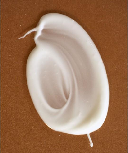 MADARA cosmetics FAKE IT Natural Look Self Tan Milk organic texture swatch