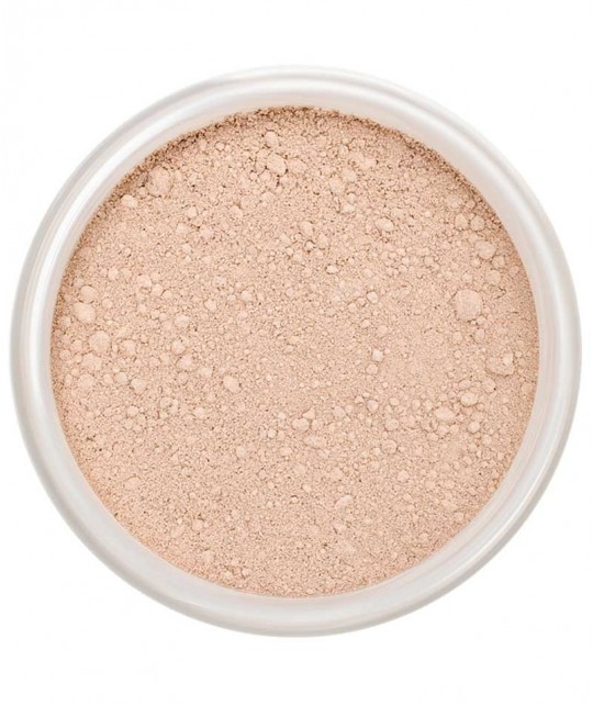 LILY LOLO Mineral Foundation SPF 15 Candy Cane swatch