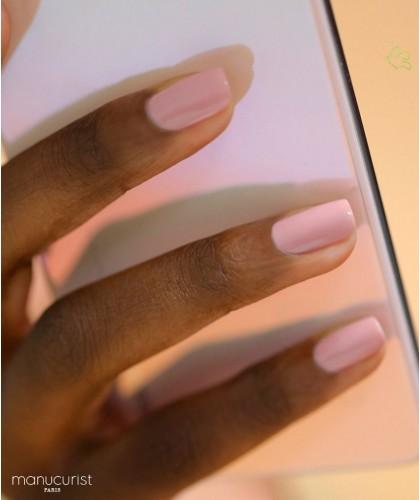 Manucurist Vernis GREEN rose clair Pink Satin swatch vegan