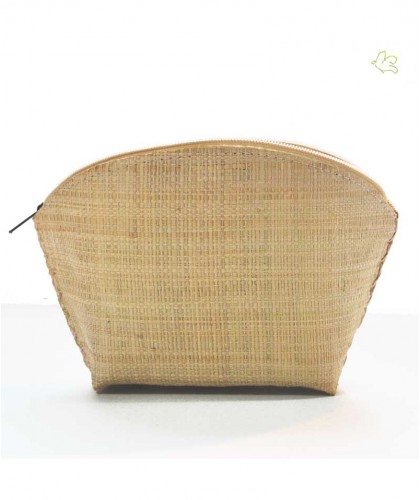 Raffia cosmetic bag natural beige l'Officina Paris handcrafted trendy beauty pouch beach