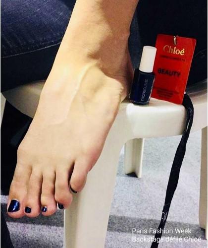 Manucurist Nagellack UV Bleu Dunkelblau N°3 vegan cruelty free swatch