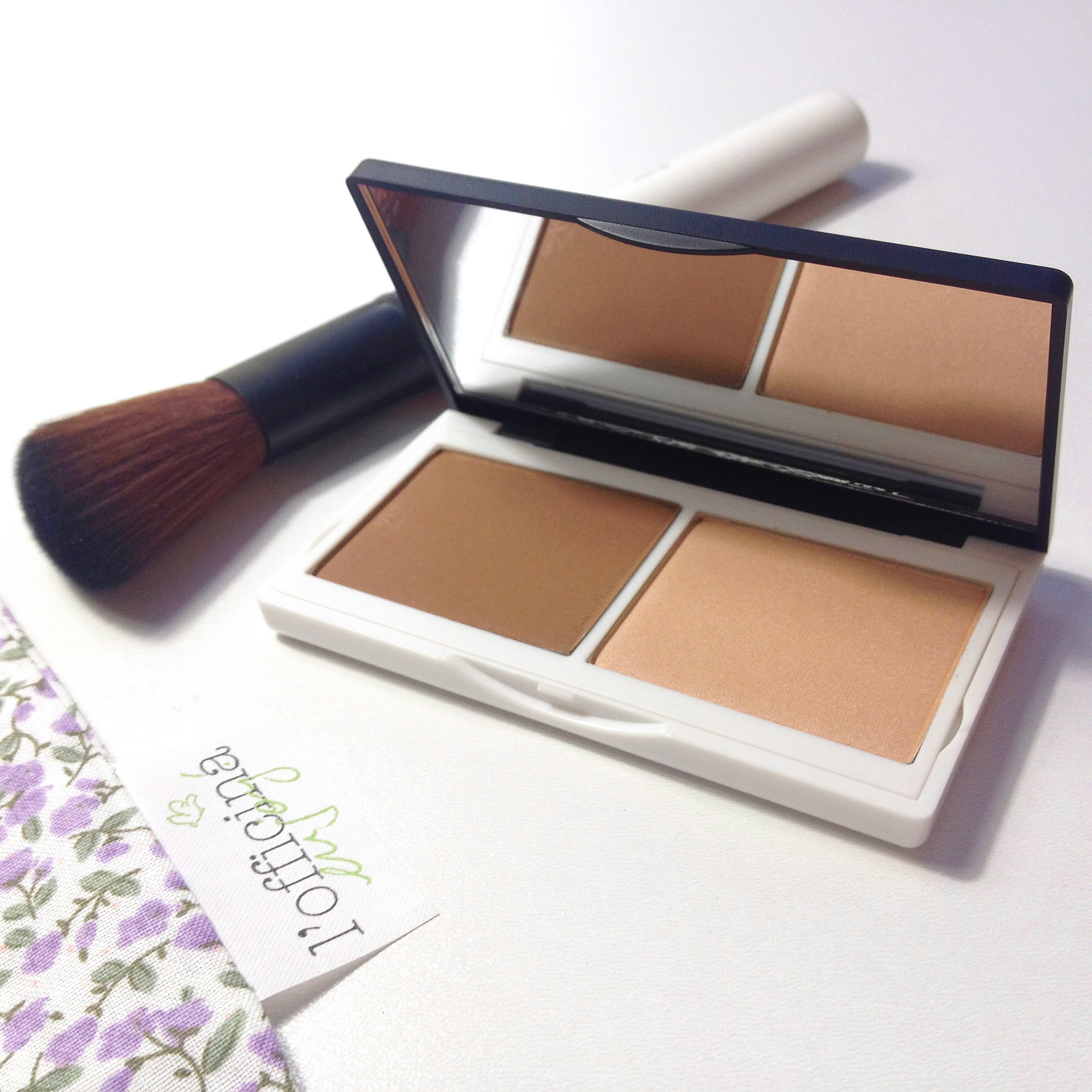 Must Have! Duo Contouring Sculpt & Glow Lily Lolo