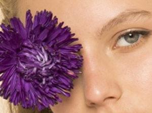 Le violet – couleur phare du maquillage de l'hiver