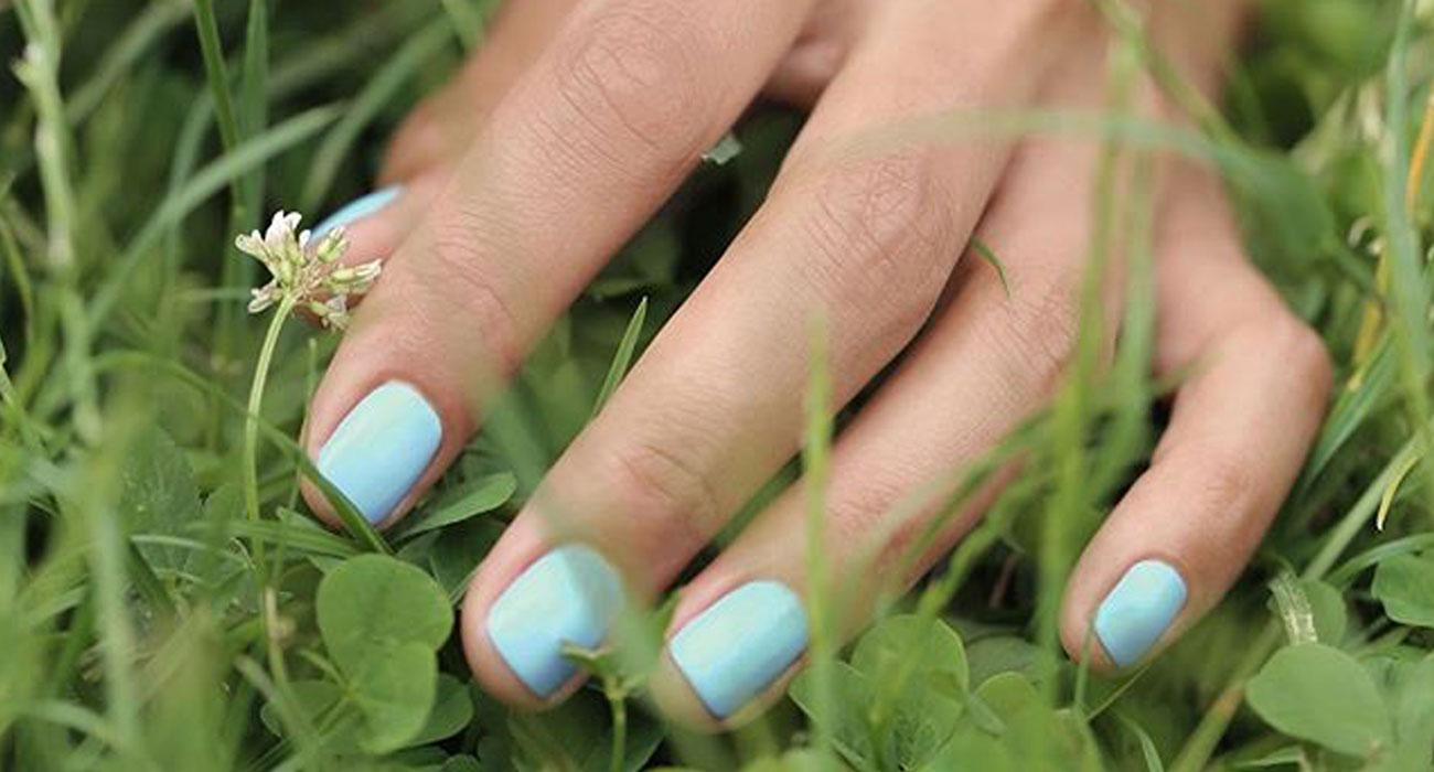 MANUCURIST PARIS Vernis GREEN Lilas bleu pastel lavande