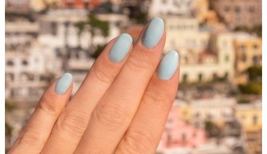 Nail polish Green Manucurist Spring colors
