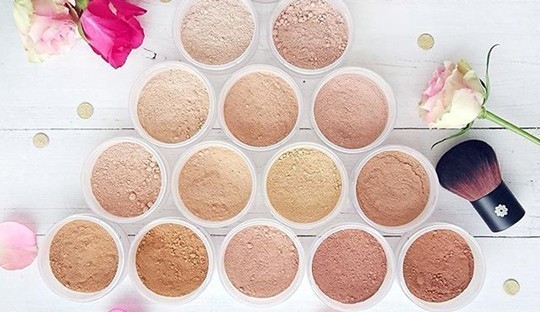 Mineral Foundation Lily Lolo cosmetics