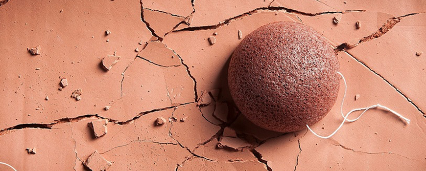 Konjac Sponge Puff with French Red Clay for dry skin