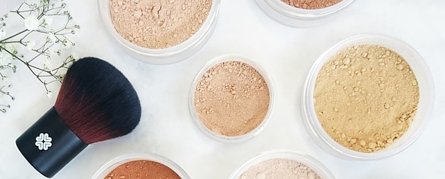 Lily Lolo fond de teint minéral naturel maquillage poudre libre anti-bactérien peau acnéique