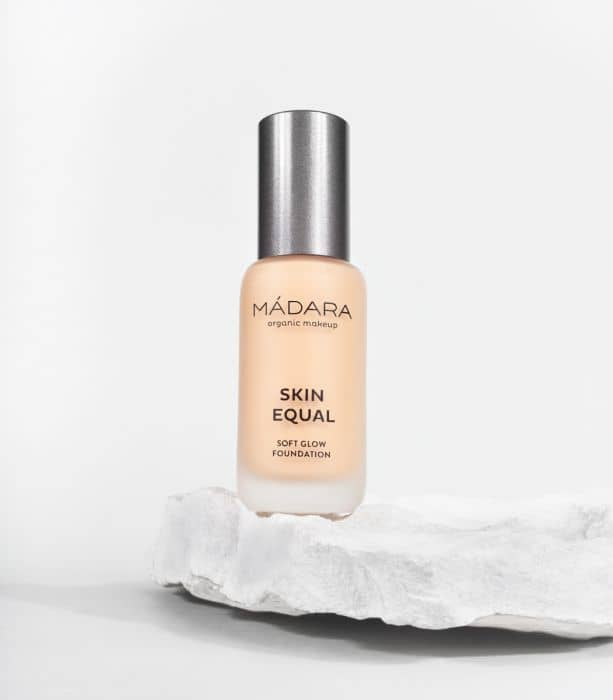 MADARA organic makeup Grundierung Naturkosmetik Soft Glow Foundation Skin Equal Ivory l'Officina Paris