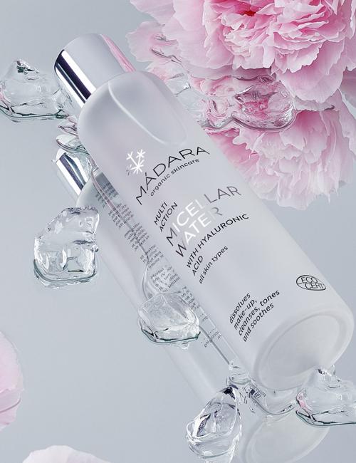 Madara cosmétique Eau Micellaire bio à l'Acide Hyaluronique soin visage